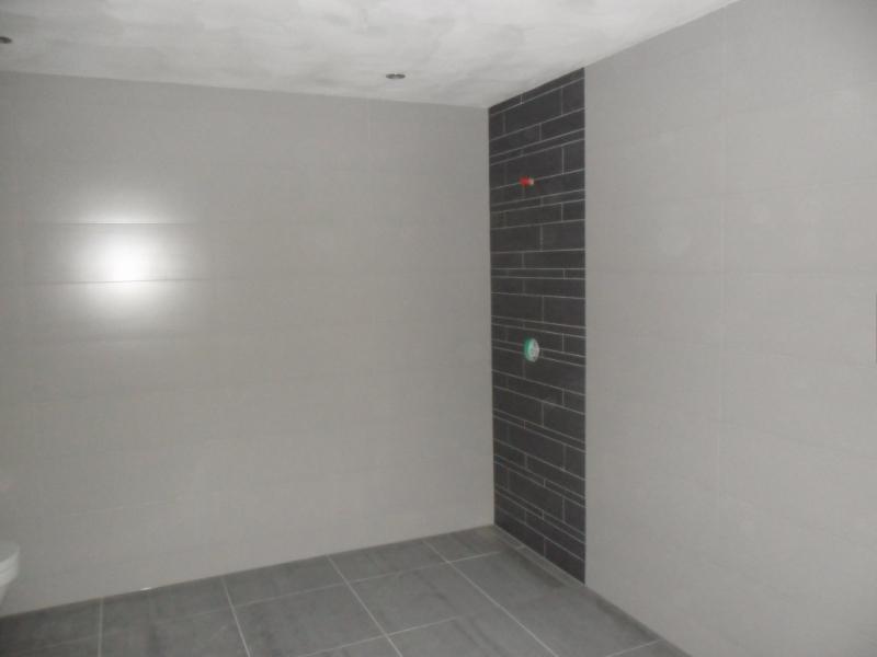 Badkamer zonder tegels welke kleur tegels badkamer tg wonen woonmagazine - Verschil tussen badkamer en badkamer ...